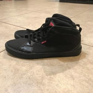 LEVI'S low top black leather and canvas size 13